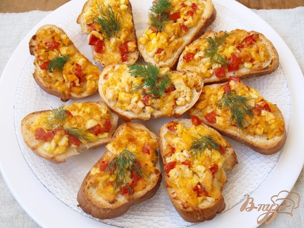 Горячие бутерброды с курицей и помидорами