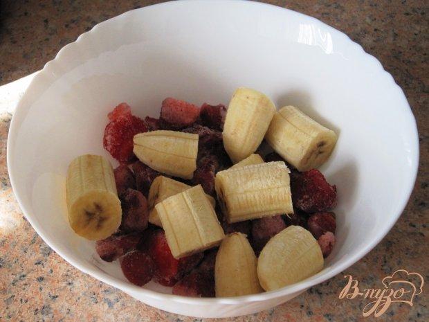 Клубнично-банановый сорбет с йогуртом