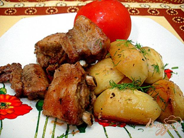 Рёбрышки запеченные с картофелем
