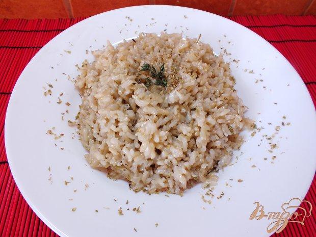 Рис неочищенный с розмарином и тимьяном