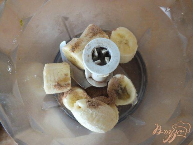 Банановое сорбе  с корицей и сливками