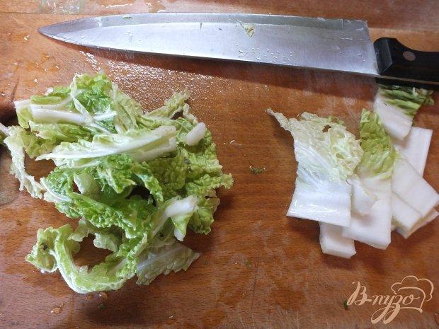 Салат с пекинской капустой и соевым соусом
