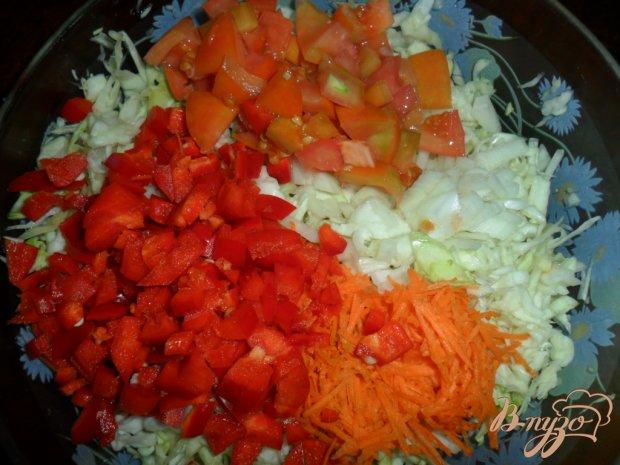 Легкий салат с капустой