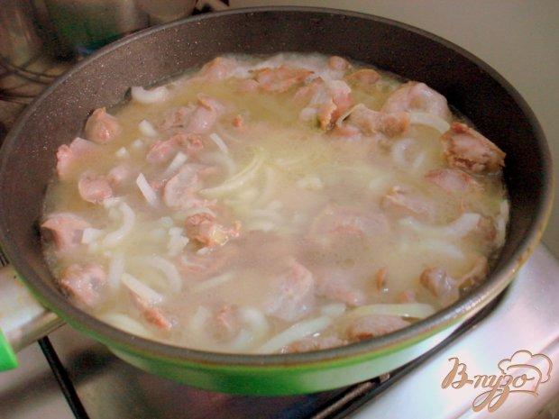Куринные желудочки в сметанном соусе