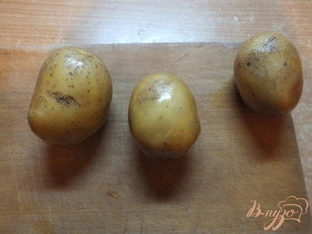 Картошка в кожуре с кинзой, луком и салом