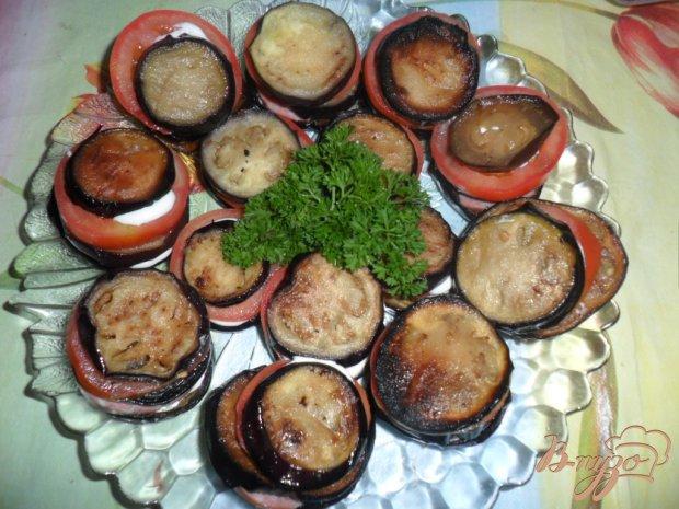 Закуска из баклажанов с колбасой и помидором