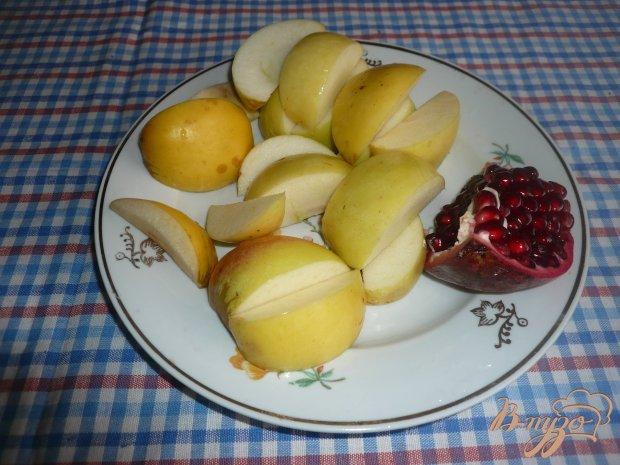 Яблочный компот с зернами граната