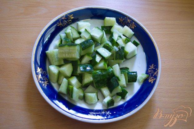 Легкий суп с огуцом, языком и фасолью на кефире