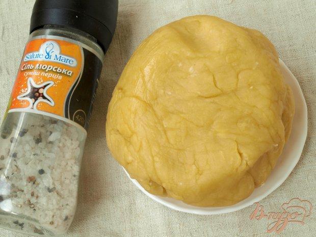 Пирожки с ветчиной и сыром из творожного теста
