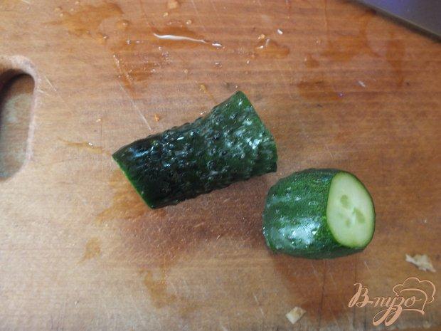Салат-фрэш из сельдерея с огурцом и лаймом