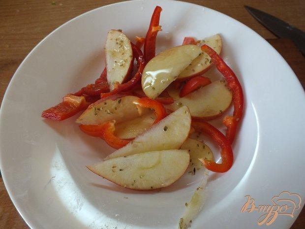 Салат из сладкого перца и яблока