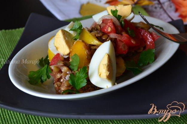 фото рецепта: Овощной салат на хрустящих гренках
