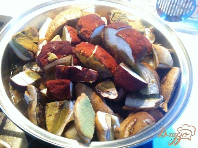 Фото приготовление рецепта: Заготовка грибов на зиму шаг №3