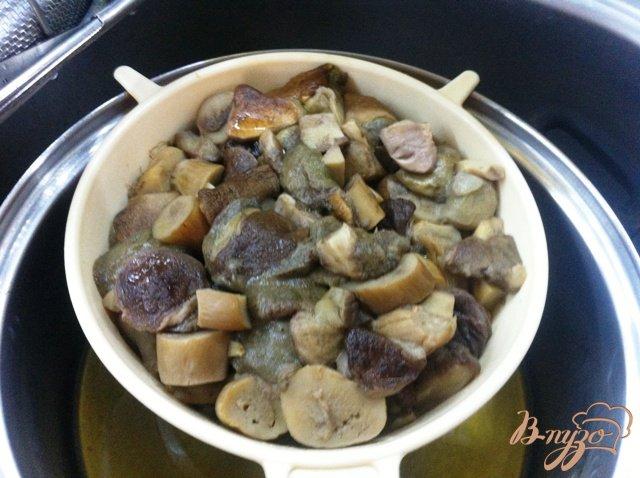 Фото приготовление рецепта: Заготовка грибов на зиму шаг №7