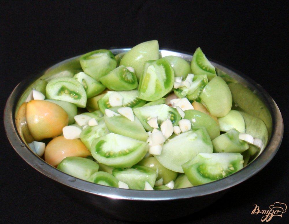 Фото приготовление рецепта: Маринованные зелёные помидоры шаг №3