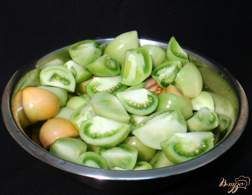 Фото приготовление рецепта: Маринованные зелёные помидоры шаг №2