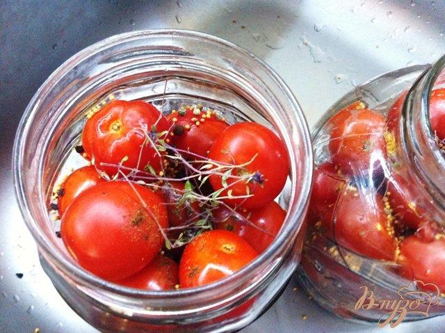 Фото приготовление рецепта: Маринованные помидоры без стерилизации шаг №8
