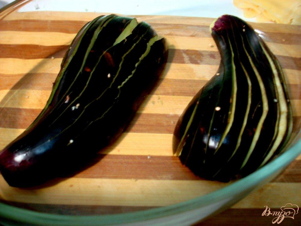 Фото приготовление рецепта: Баклажановые веера шаг №2