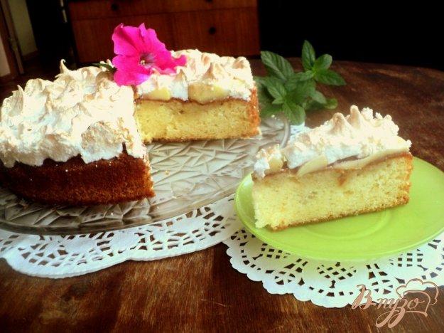 Рецепт Пирог с яблоками и меренгой