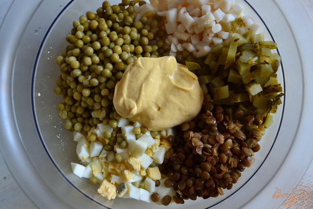 Фото приготовление рецепта: Салат с кальмарами шаг №3