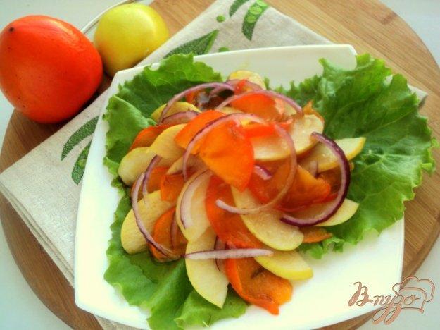 Рецепт Салат с хурмой и яблоками