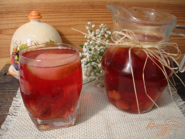 фото рецепта: Компот из яблок и вишни