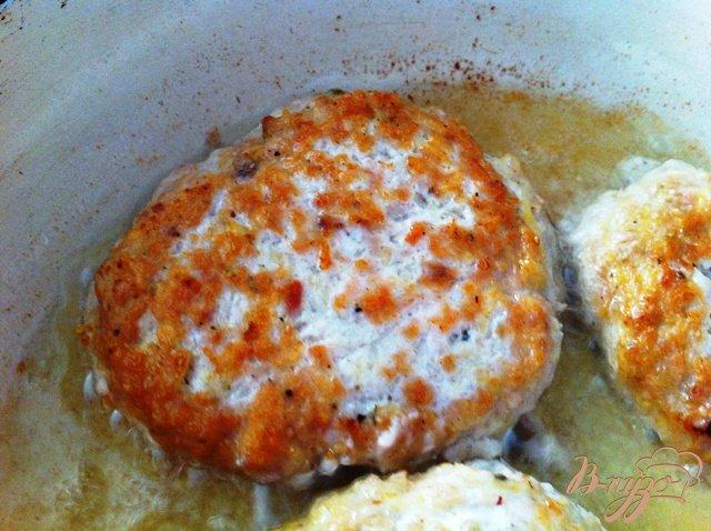 Фото приготовление рецепта: Куриный рубленный аля бифштекс шаг №4