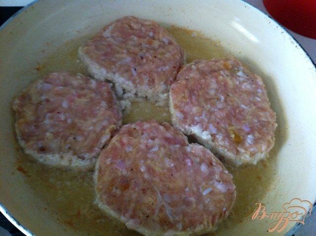 Фото приготовление рецепта: Куриный рубленный аля бифштекс шаг №3