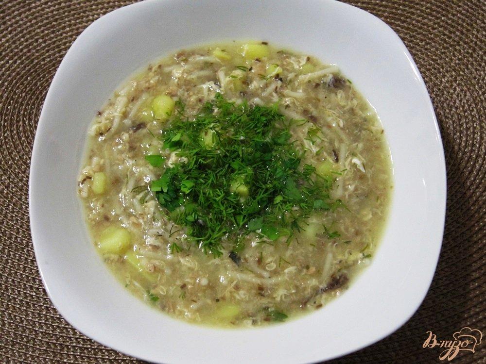 Фото приготовление рецепта: Быстрый рыбный суп с вермишелью шаг №8