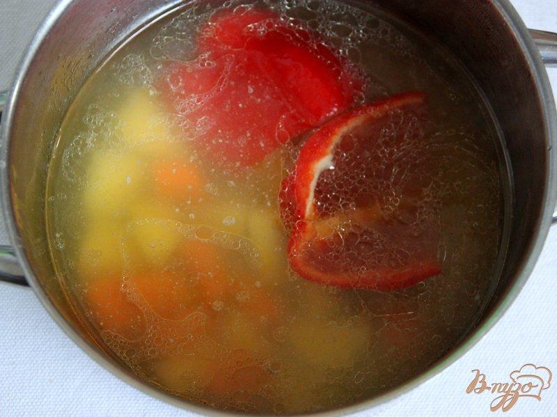 Фото приготовление рецепта: Суп-пюре с тыквой и овощами, с рисом шаг №3