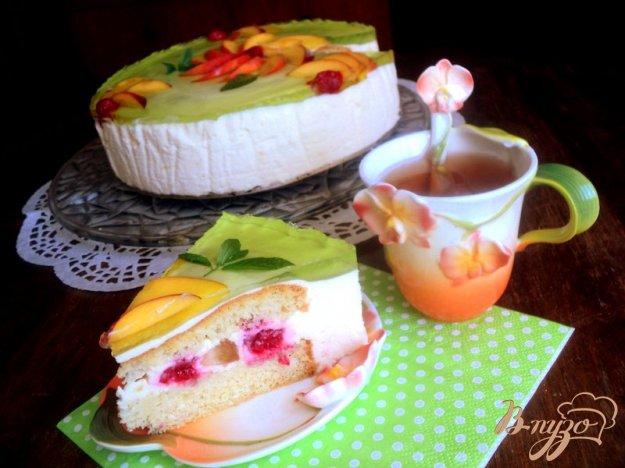 Рецепт Торт с персиками и малиной