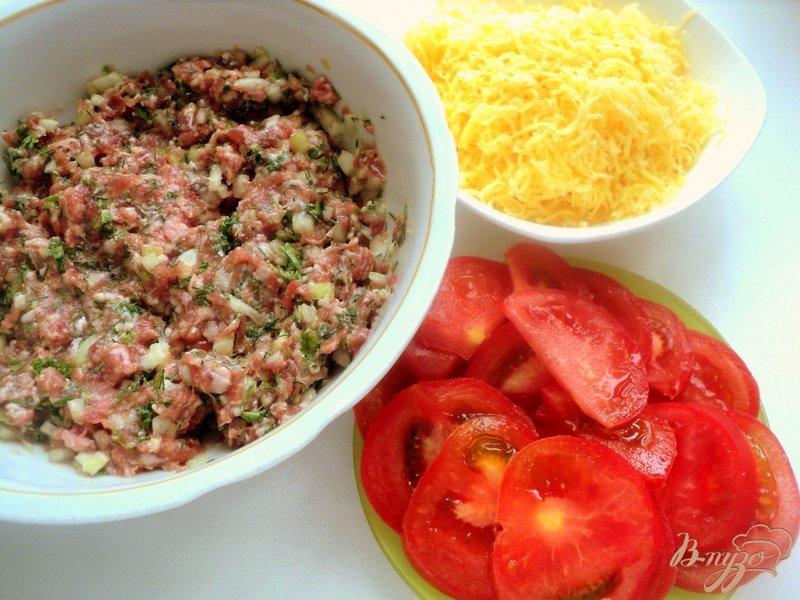 Фото приготовление рецепта: Чебуреки  с сюрпризом шаг №3