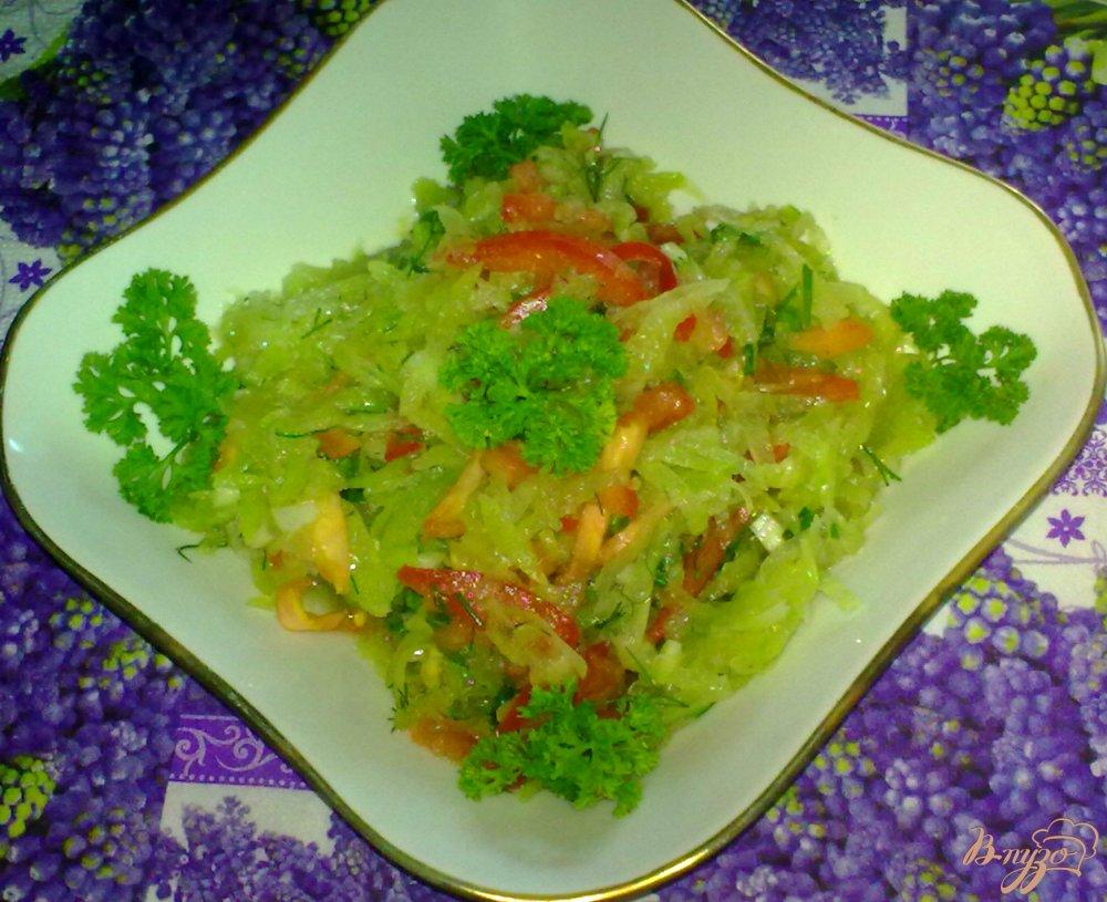 Фото приготовление рецепта: Салат из зеленой редьки шаг №5