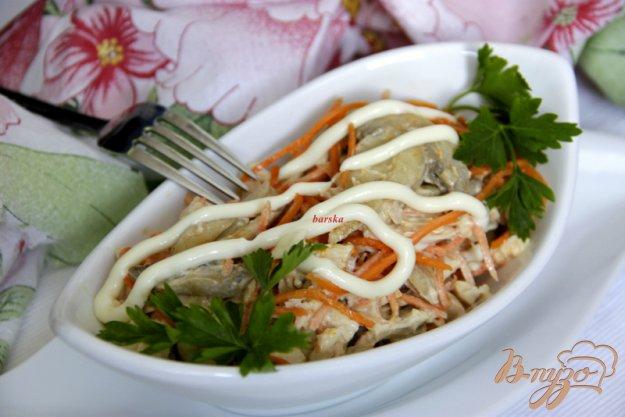 Рецепт Салат с курицей, грибами и корейской морковкой