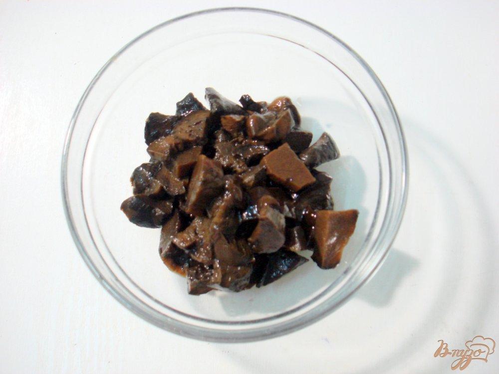 Фото приготовление рецепта: Суп с фрикадельками, грибами и капустой шаг №3