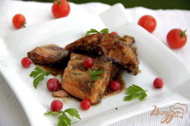 Рецепт Лосось в гранатовом соусе