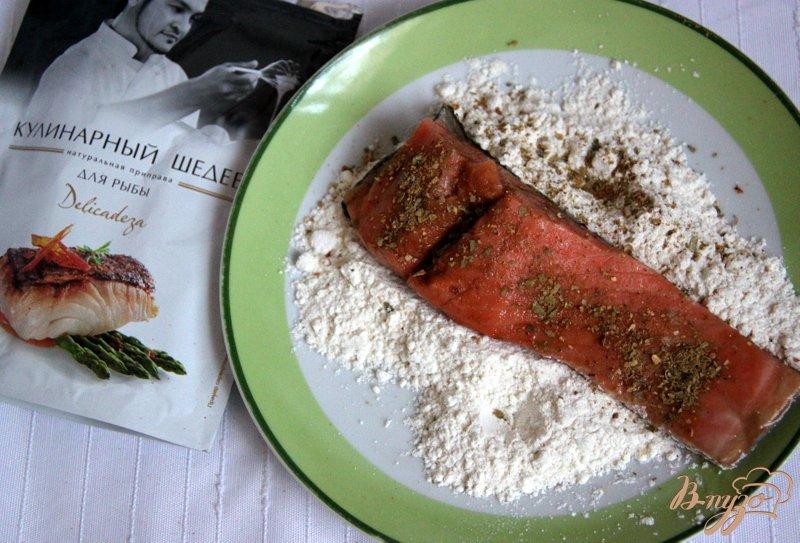 Фото приготовление рецепта: Лосось в гранатовом соусе шаг №2
