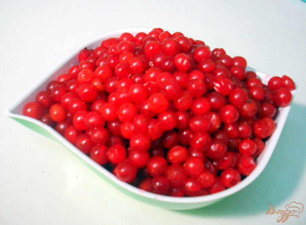Фото приготовление рецепта: Яблочно - калиновый джем шаг №4