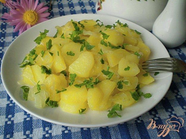 Рецепт Картофель жаренный с луком в мультиварке