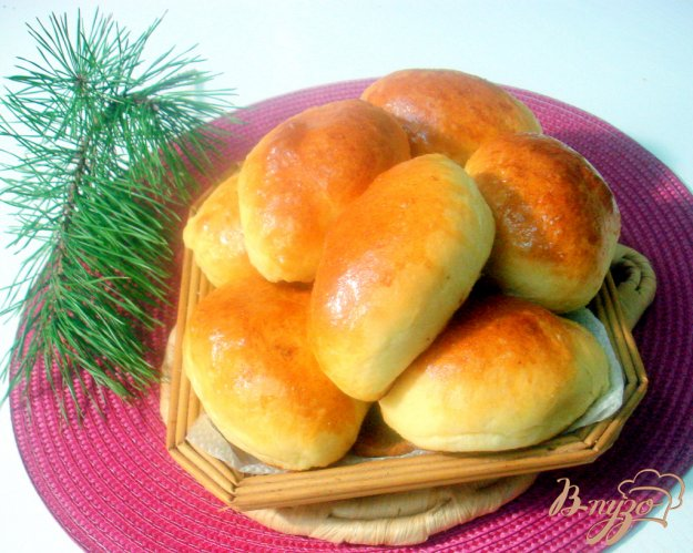 фото рецепта: Воздушное дрожжевое тесто и пирожки с ним