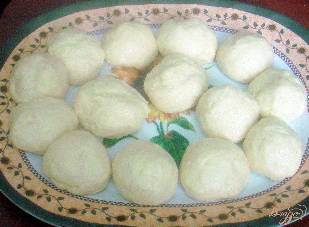 Фото приготовление рецепта: Воздушное дрожжевое тесто и пирожки с ним шаг №4