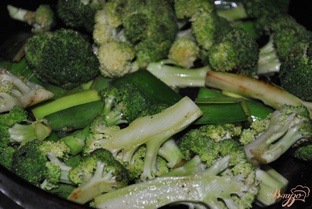 Фото приготовление рецепта: Овощное рагу с брокколи шаг №5