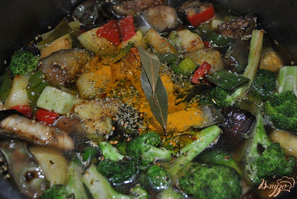 Фото приготовление рецепта: Овощное рагу с брокколи шаг №10