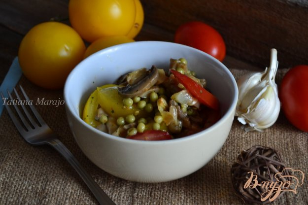 Рецепт Овощной салат с чесночными чипсами