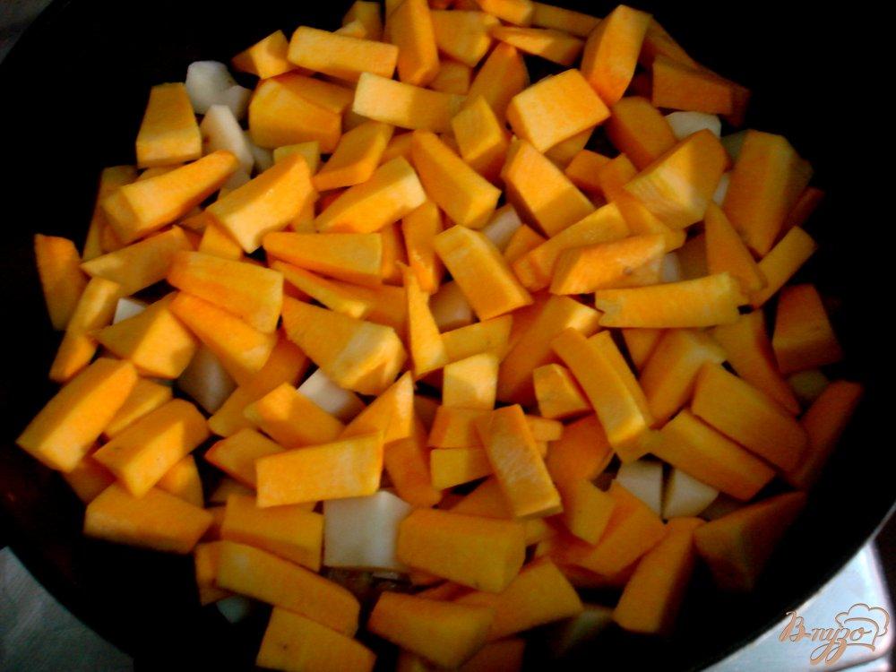 Фото приготовление рецепта: Рагу со свининой и тыквой шаг №8