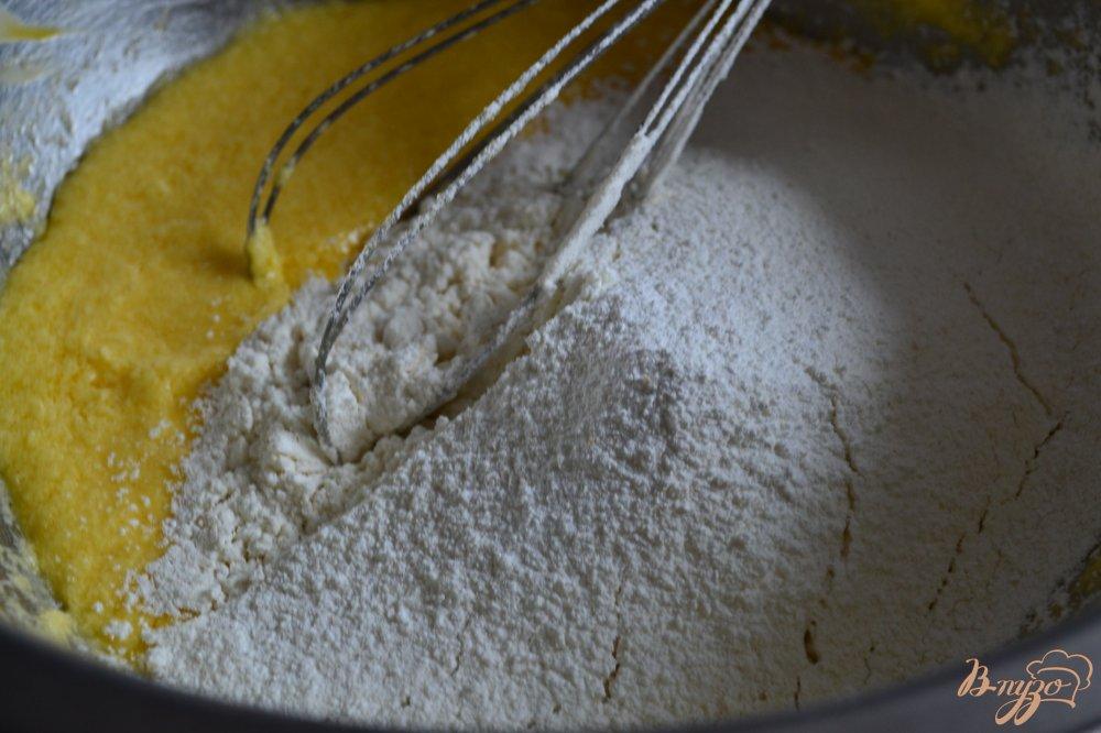 Фото приготовление рецепта: Лаймово-шоколадный кекс шаг №3