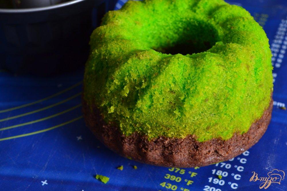 Фото приготовление рецепта: Лаймово-шоколадный кекс шаг №8