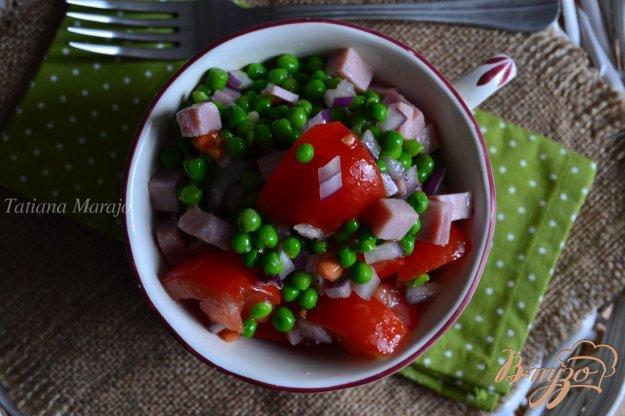 Рецепт Помидорный салат с ветчиной и зеленым горошком