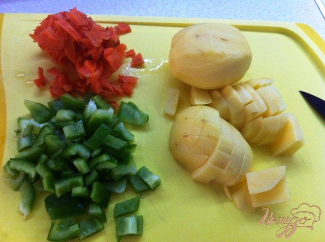 Фото приготовление рецепта: Суп из ребрышек с вермишелью шаг №3