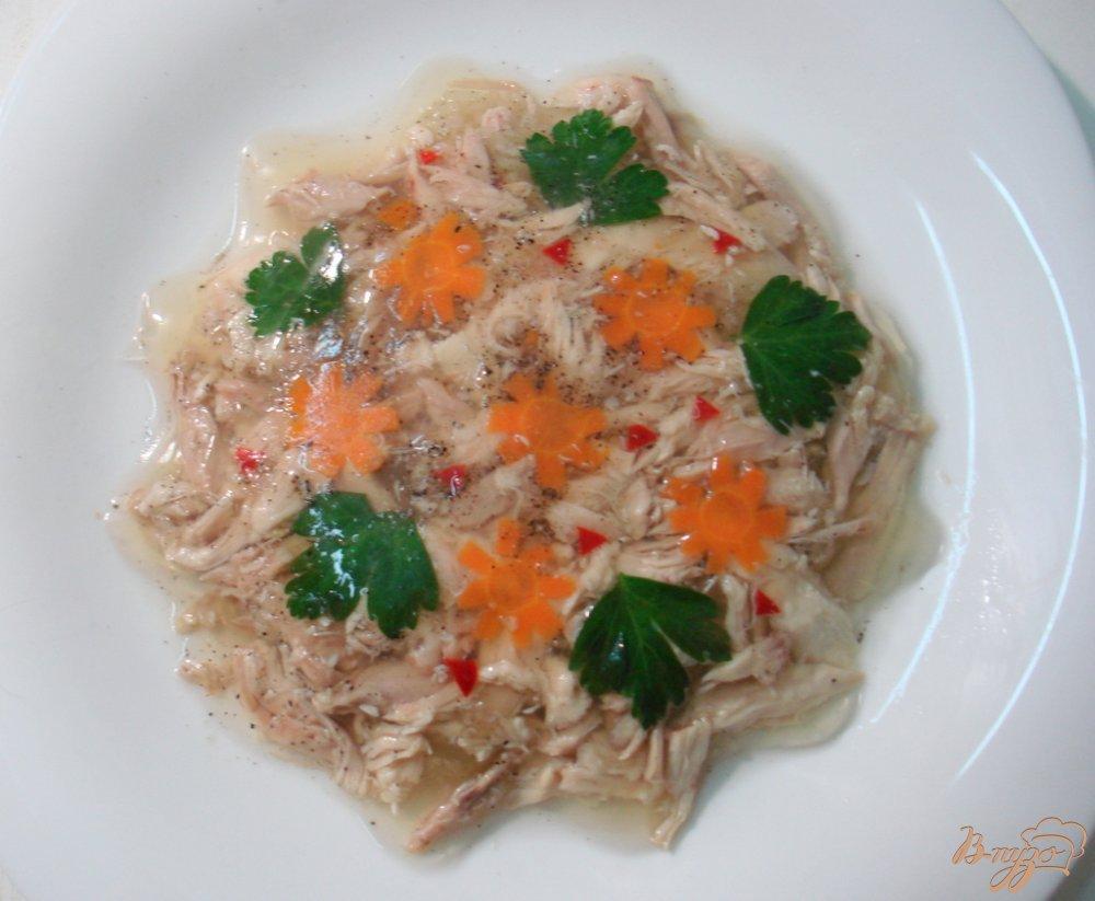 Фото приготовление рецепта: Курица заливная шаг №6